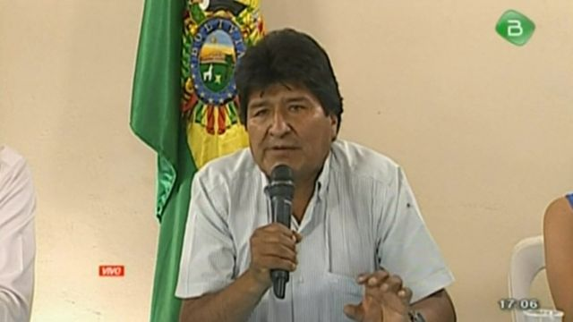 볼리비아 에보 모랄레스 대통령이 선거 결과 불복 시위 3주 끝에 결국 사임을 발표했다