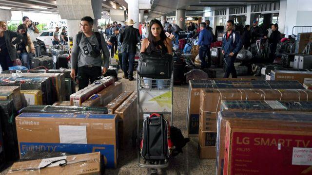 Médicos cubanos regresando de Brasil a Cuba