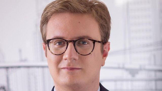 Эндрю Хендерсон, американский предприниматель и основатель компании Nomad Capitalist, имеет четыре паспорта и вскоре получит пятый
