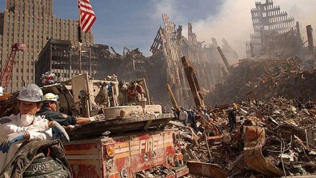 استهدفت طائرتان برجي مركز التجارة العالمي في نيويورك في 11 سبتمبر 2001