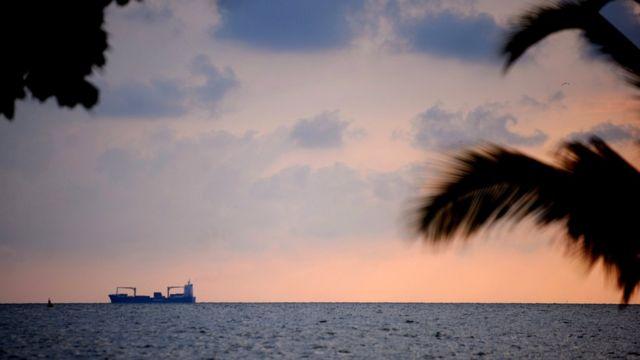Panorama frente a la costa de Cartagena, Colombia.