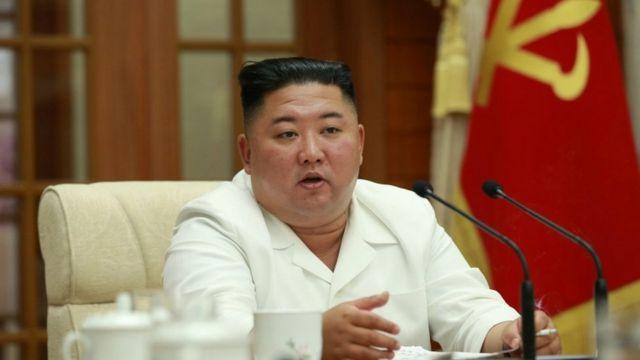 Kim Jong-un chairs a meeting on 25 Aug