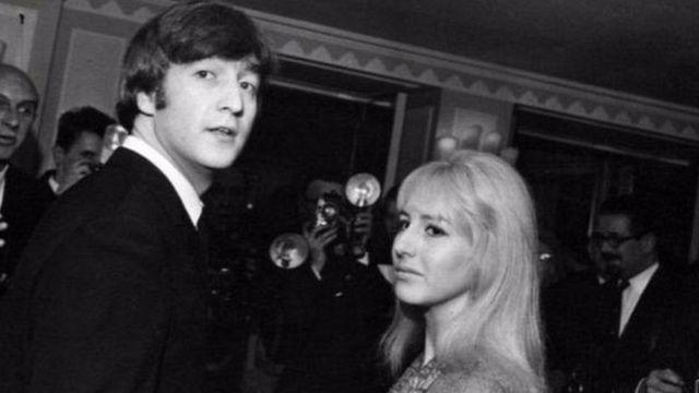 Джон Леннон и его супруга Синтия