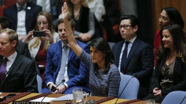 12月22日,美国驻联合国大使在纽约联合国总部就朝鲜新制裁投票