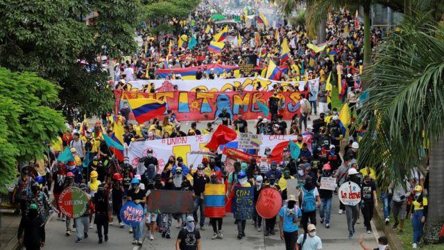 En büyük protestolar Cali kentinde düzenleniyor