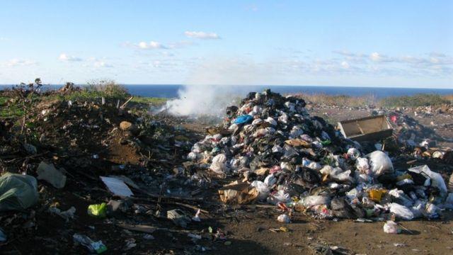 Parti, çöp, tehlikeli ve plastik atık ithalatı ve ihracatını yasaklamayı vaadediyor
