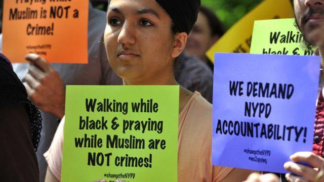 ニューヨークのモスクに対する監視に抗議する人々(2013年)