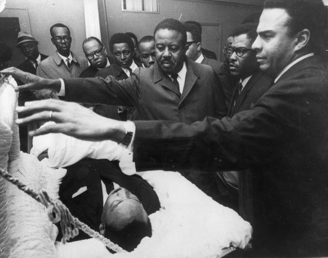 Martin Luther King Jr. en el ataúd