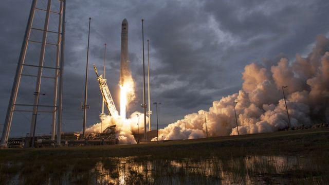 Старт ракеты-носителя Антарес со спутником Asgardia-1