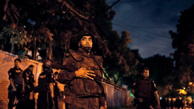 Bangladesh cafe attack 'mastermind' killed in gunfight, say police