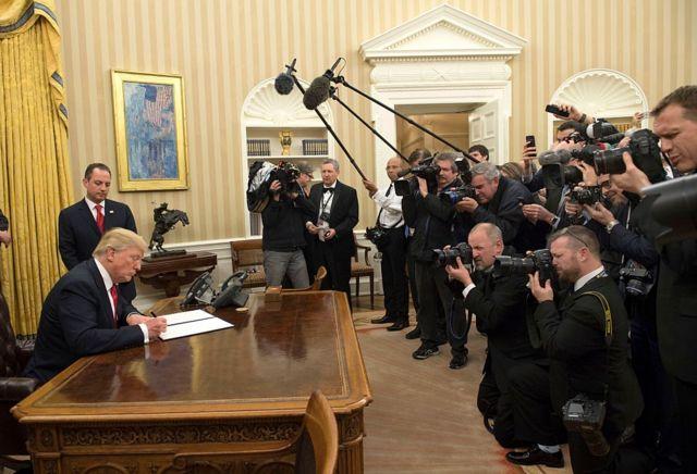 Trump en la oficina oval