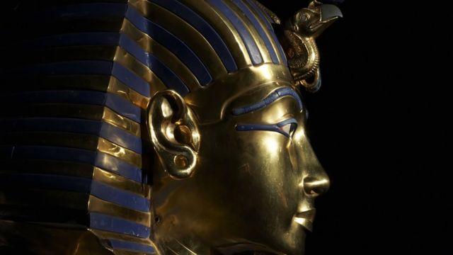 La máscara de oro de Tutankamón.