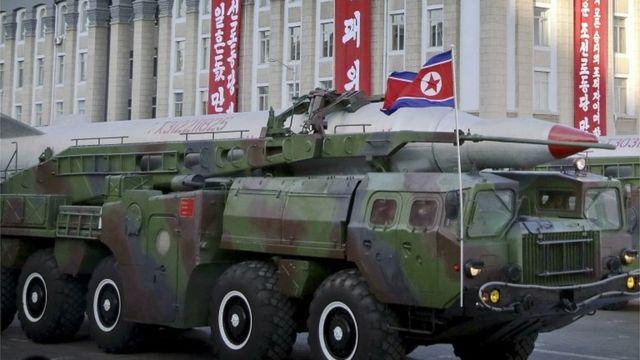北朝鮮はさまざまな射程距離のミサイル数百基を保有しているとみられている