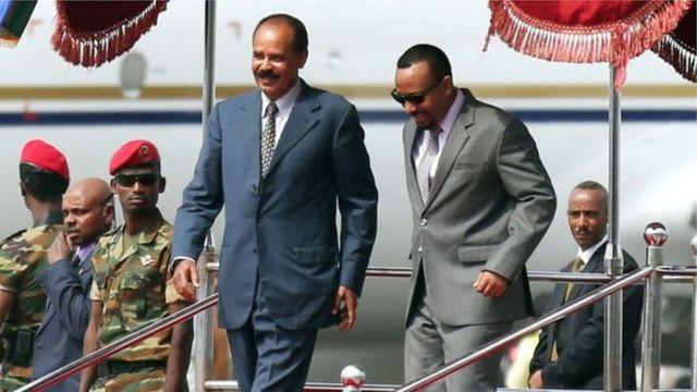 Issaias Afeworki (en constume bleu foncé) doit assister à la réouverture de l'ambassade de son pays à Addis Abeba.