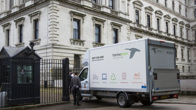 Removal van arriving at Downing Street