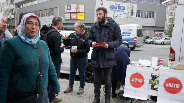 Berlin'de hayır standı