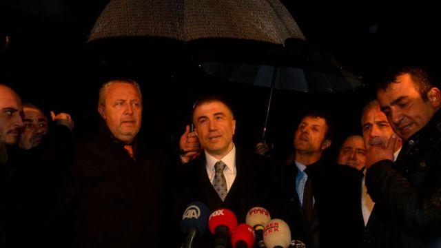 """Peker, Ergenekon davasından tahliye olduktan sonra yaptığı konuşmada """"uyum"""" vurgusu yaptı."""