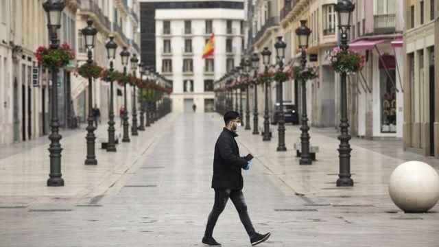 İspanya'da sıkı sokağa çıkmayı kısıtlayan bir uygulama var