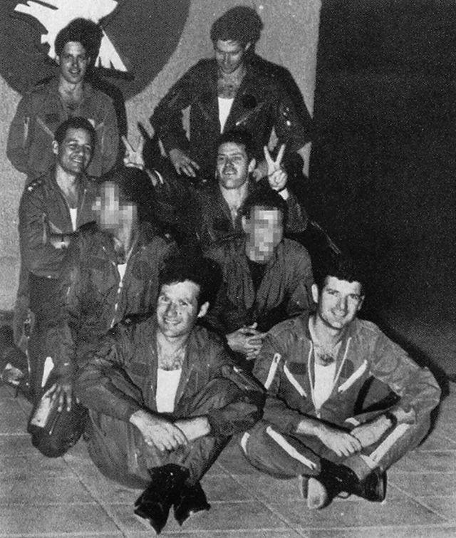 الطيارون الإسرائيليون الذين شاركوا في قصف المفاعل العراقي