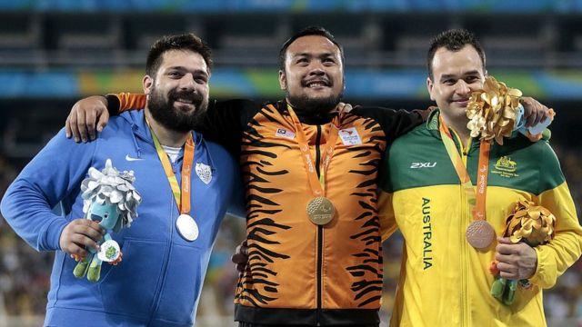Muhammad Ziyad Zolkefli en el podio de Río 2016.