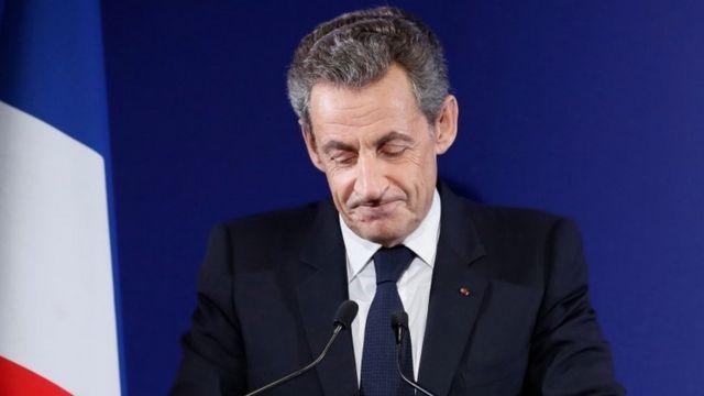 Nicolas Sarkozy məğlubiyyətini etiraf edir, 20 noyabr