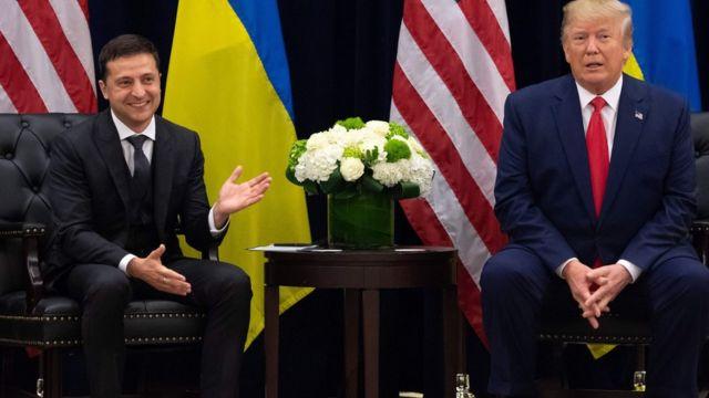 Trump, Ukrayna Cumhurbaşkanı'na baskı uyguladığı suçlamalarını reddediyor.