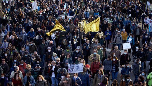 Марш против бедности во французской Тулузе в декабре 2020 года