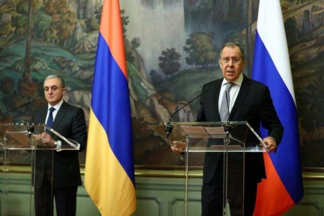 Ermenistan Dışişleri Bakanı Zohrab Mnatsakanyan ve Rusya Dışişleri Bakanı Sergey Lavrov