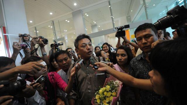 မြန်မာနိုင်ငံကို ပြန်လည်ဝင်ရောက်လာတဲ့ နိုင်ငံရေးလှုပ်ရှားသူ