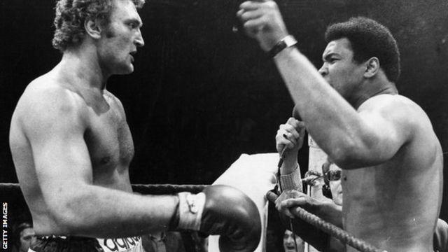アリ氏と対戦するジョー・バグナー氏(1974年)