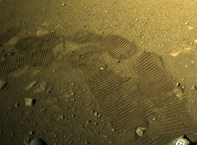 "Фото камеры марсохода ""Персеверанс"""