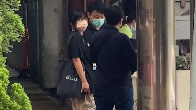 Hong Kong'daki anmaları organize eden demokrasi yanlısı aktivistlerden Chow Hang Tung'un da gözaltına alındığı bildirildi