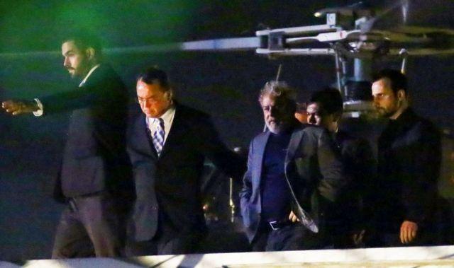 Lula Curitiba'ya helikopterle böyle götürüldü