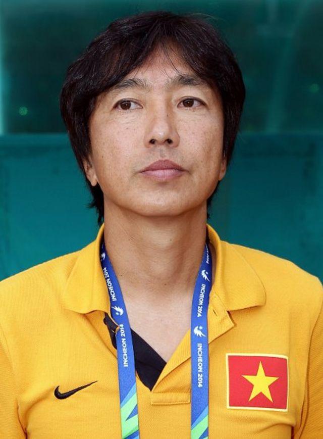 Bóng đá Việt Nam có một cái rất giống bóng đá Nhật Bản, là đề cao yếu tố khéo léo mà quên đi căn bản của bóng đá là thể lực