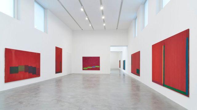 Interior de la Newport Street Gallery