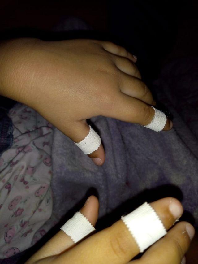 Esparadrapo no dedo