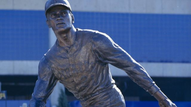 Estatua de Roberto Clemente