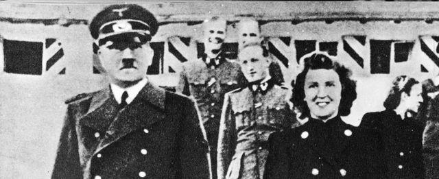 Ҳитлер ва унинг янги рафиқаси ўз жонига қасд қилади - уларнинг жасади ёқиб юборилади