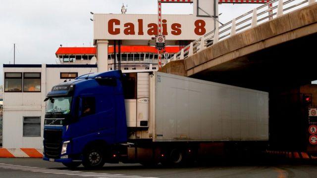 Грузовик в порту Кале
