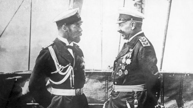 Император Николай II со своим двоюродным братом кайзером Германии Вильгельмом II незадолго до начала Первой мировой войны