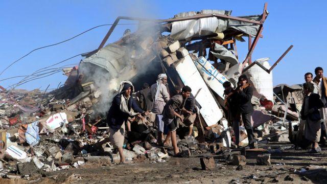 Bombalanan alandan bir fotoğraf