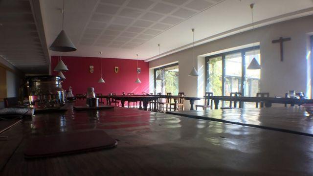 Sala de eventos del monasterio.