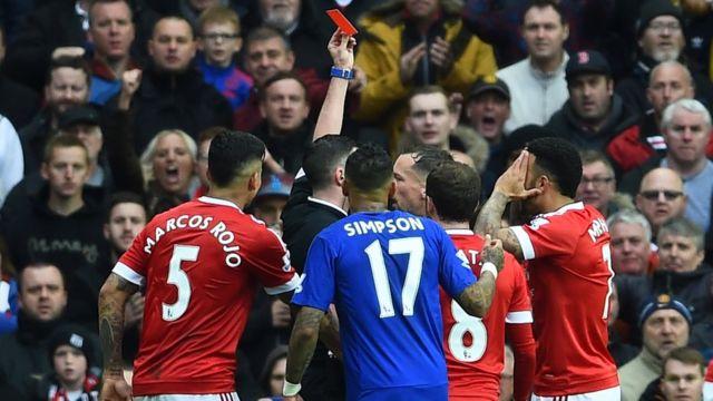 Jugadores de Manchester United y Leciester
