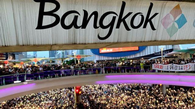 Hàng ngàn người Thái xuống đường biểu tình hôm 16-17/10 yêu cầu cải cách chính trị