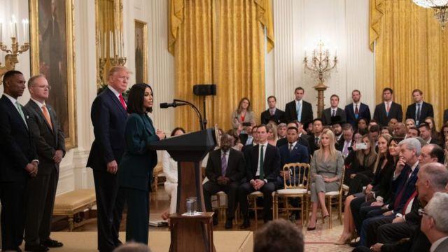 Ким Кардашьян Уэст выступает в Белом доме на собрании по реформе пенитенциарной системы в июне 2019 года