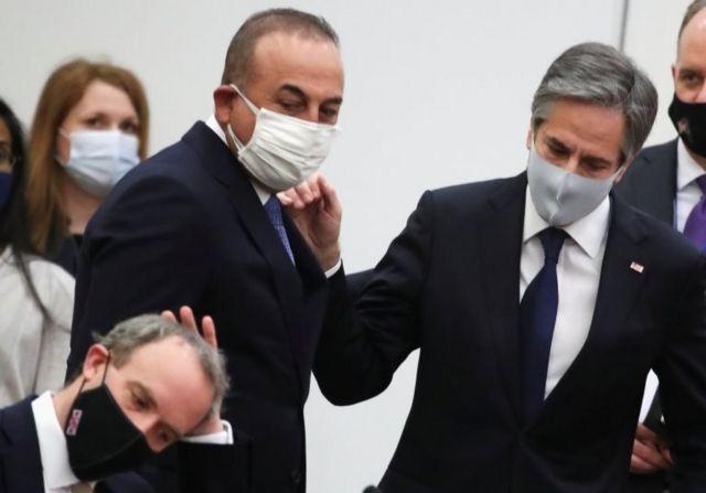 Dışişleri Bakanı Mevlüt Çavuşoğlu ve ABD Dışişleri Bakanı Anthony Blinken, İngiltere Dışişleri Bakanı Dominic Raab'a bakıyor