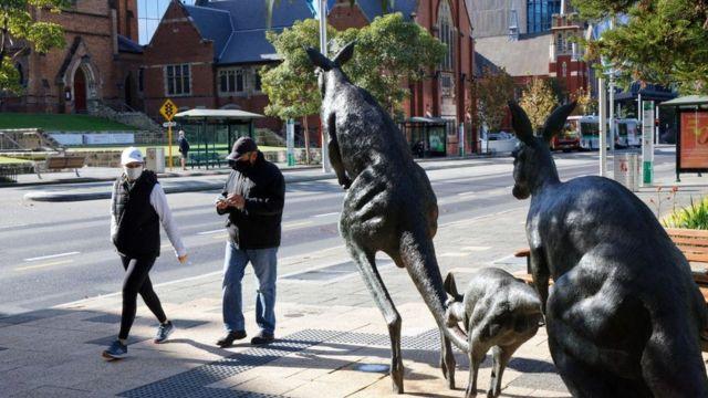 Avustralya genelinde yeniden Covid kısıtlamaları sıkılaştırıldı.