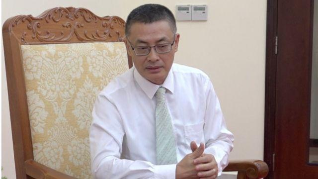 Đại sứ Vũ Quang Minh cho BBC hay rằng sau khi đi thăm bà con tại một số điểm tạm cư, ông có phần lo lắng về tình trạng bà con tại ấp Chong Kok.