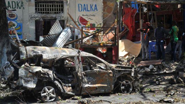 Mogadişu'daki bir bombalı saldırı.