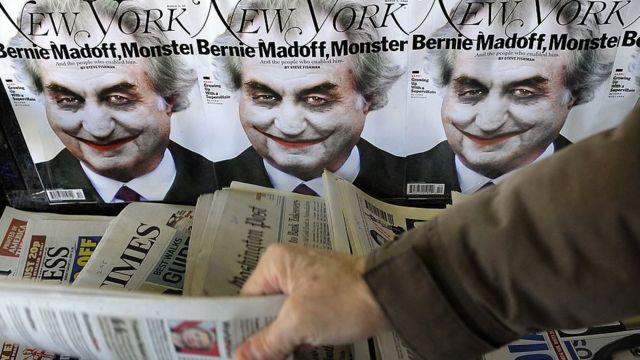 Capas de revista sobre o escândalo em que se lê: Bernie Madoff, monstro